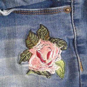 Hudson Jeans Bottoms - Girls sz 16 Hudson Denim Shorts Embroidered Rose